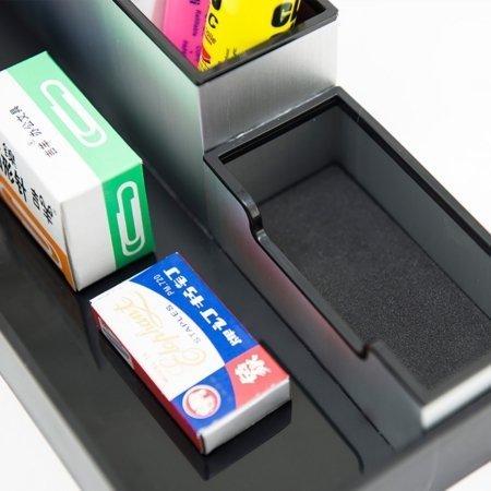 Kombinovaný hliníkový stojan na písacie potreby a vizitky